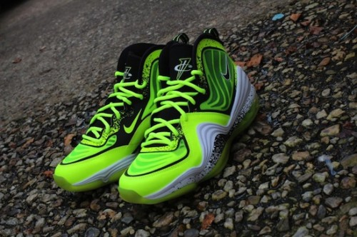 penny-v-highlighter-1-900x599