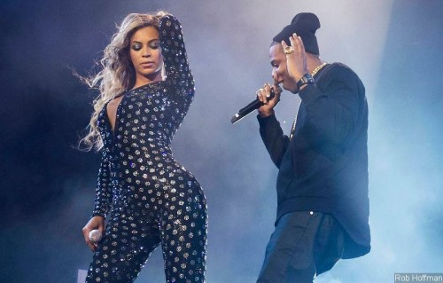 beyonce-brings-out-jay-z-to-perform-drunk-in-love-at-london-show