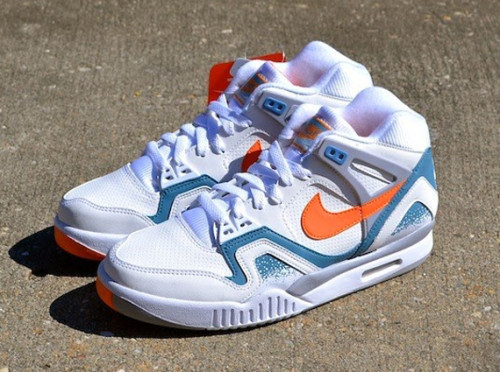 clay-blue-nike-air-tech-challenge-ii-agassi